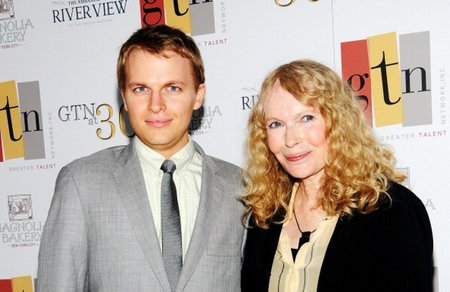 Ronan-and-Mia-Farrow