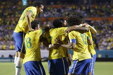 23444278---honduras-brazil-soccer---17112013---005636 8824