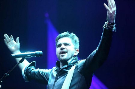 os-juanes-at-hard-rock-live-20130628-005